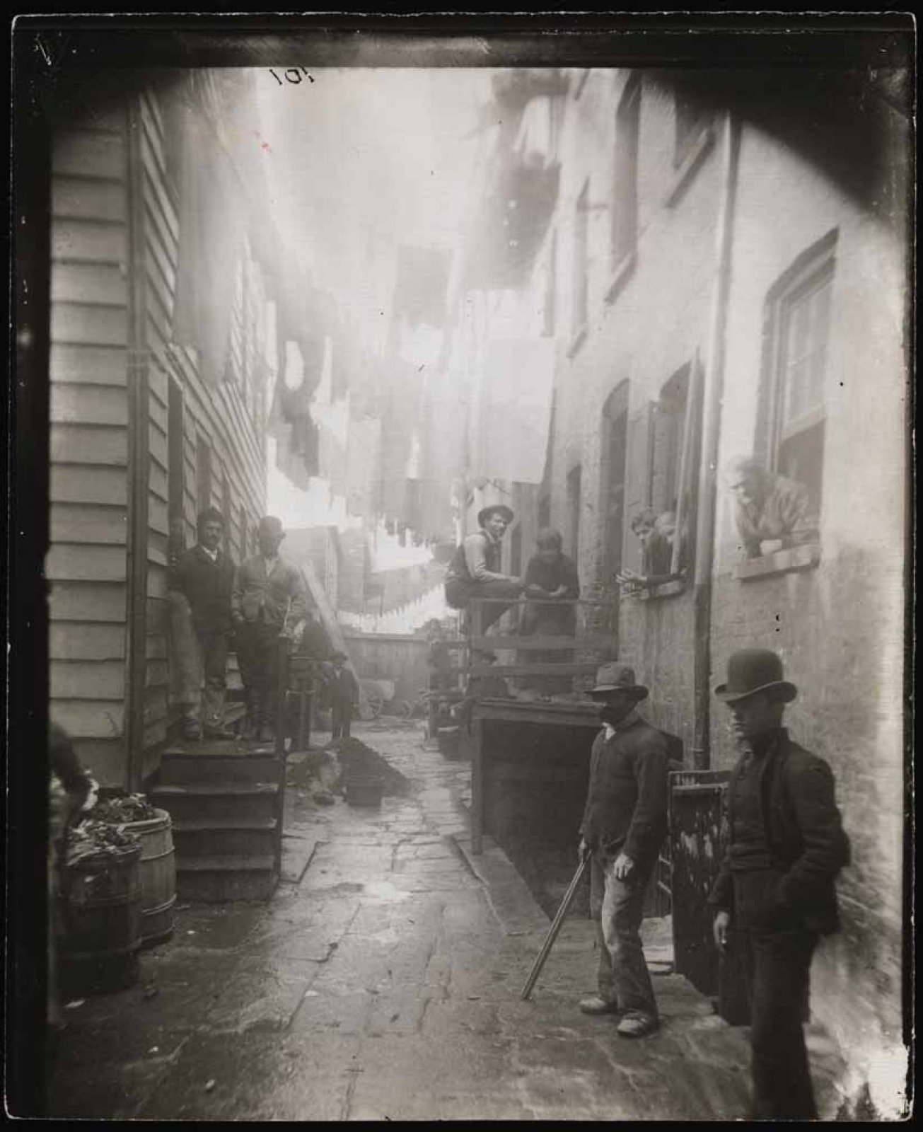 ´Bandits' Roost´, 1887-1888 / Jacob Riis / Museum of the City of New York