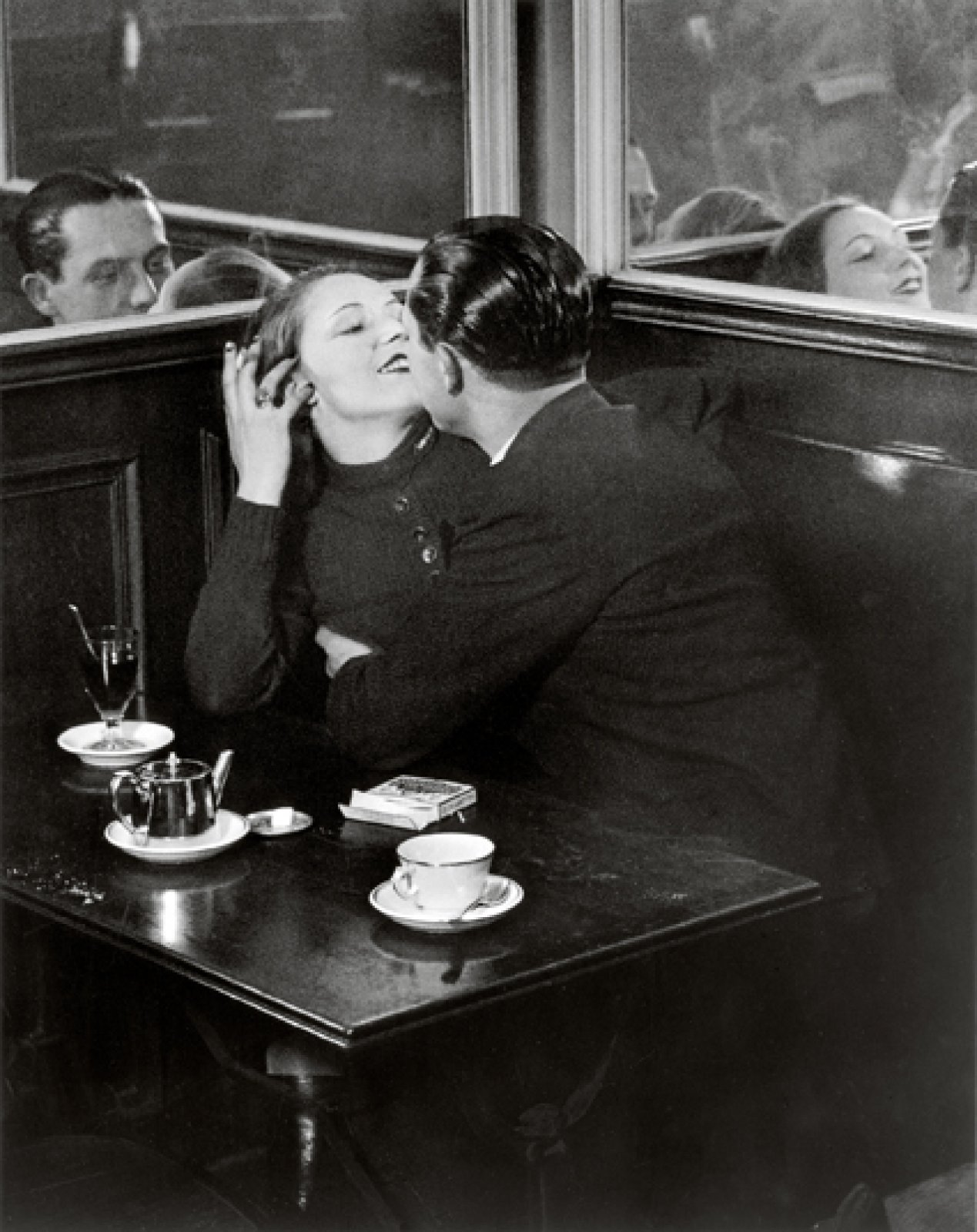Couple in a Café, near the place d'Italie, c. 1932 © Estate Brassaï Succession, Paris