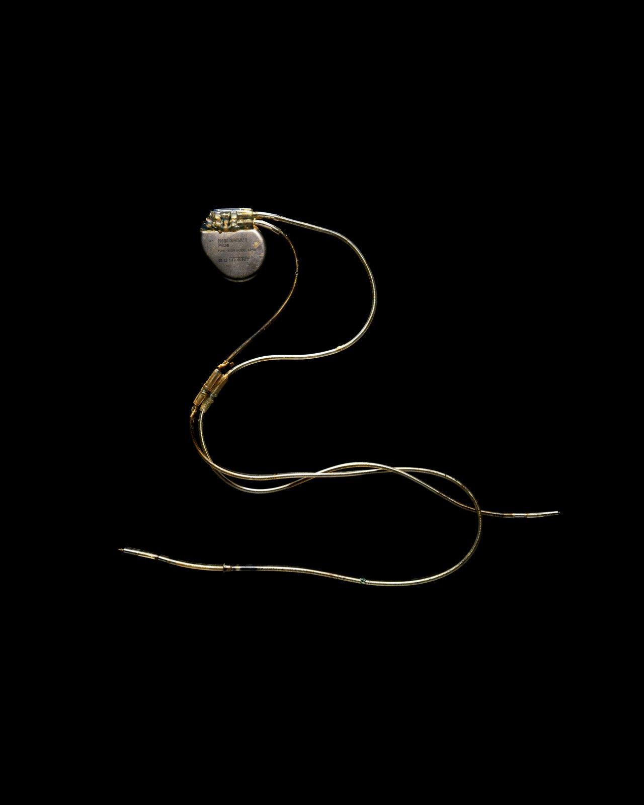 Fragile, Pacemaker, 2010 © Raphaël Dallaporta