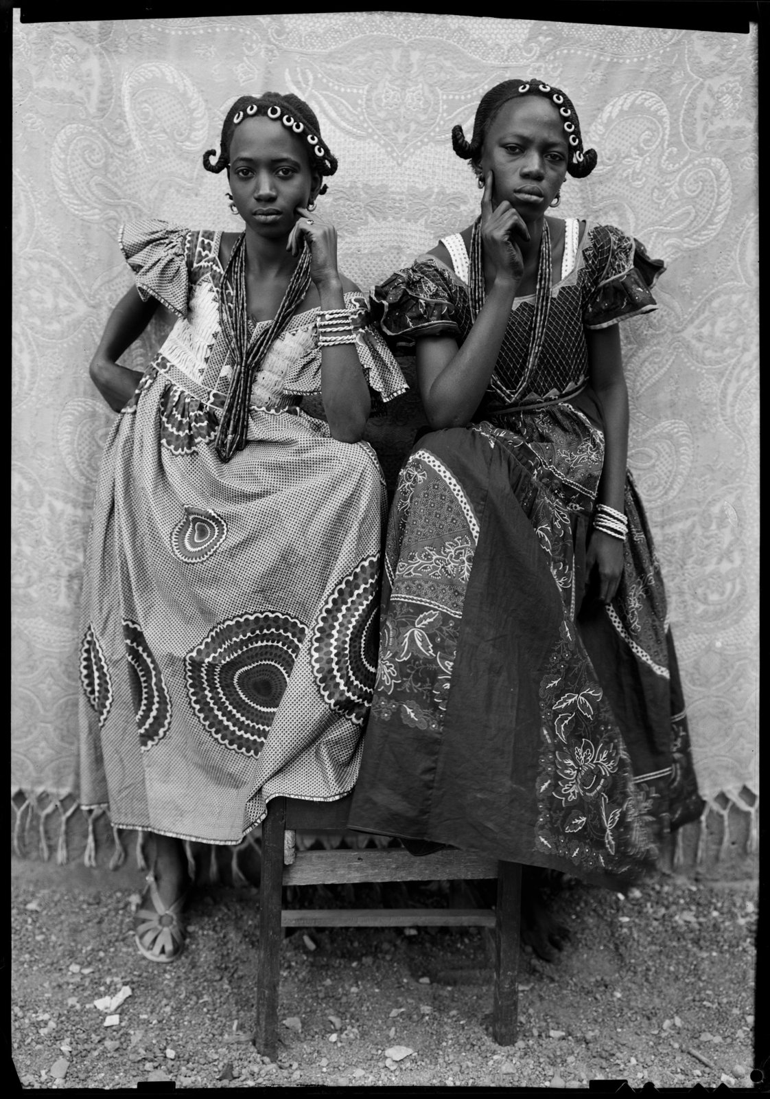 Untitled, 1949/51 © Seydou Keïta / SKPEAC / courtesy CAAC – The Pigozzi Collection, Geneva